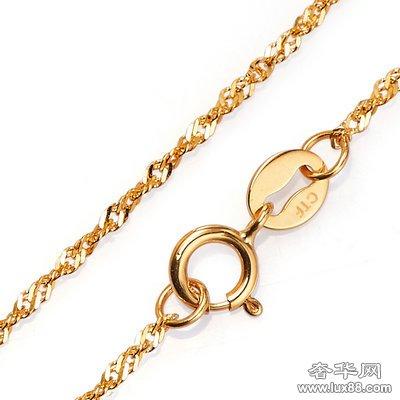 周大福18K黄金波纹项链