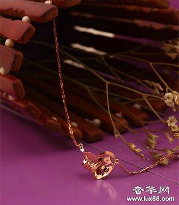 """粤豪珠宝""""百变新姿""""风尚系列K金饰品"""