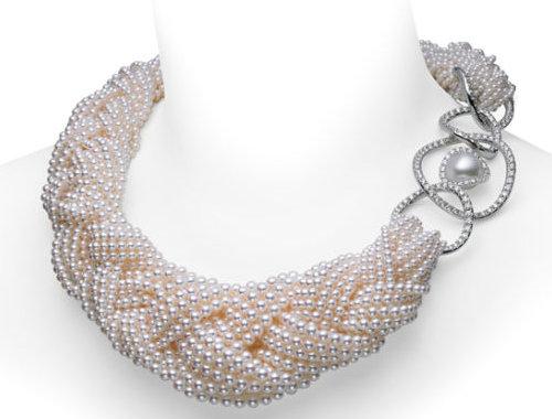 鉴别真假珍珠看洞孔: 【珍珠】穿孔的洞中有层状结构