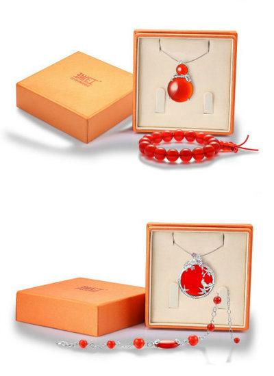 瑞红首饰推出欢欣孝语礼盒和一孝千金礼盒献礼母亲节